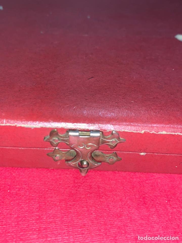 Antigüedades: Magnífico rosario del siglo XIX en plata de ley y azabache en caja. Magnífica pieza de colección - Foto 5 - 223082540