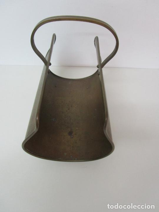 Antigüedades: Revistero de Latón - Patas de Garra - Años 50 - Foto 7 - 223082722