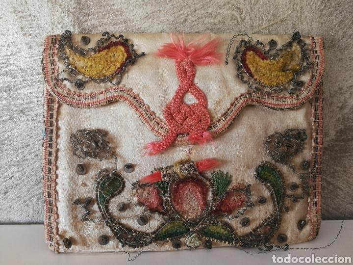 Antigüedades: CARTERA DE SEDA ORO PLATA BORDADO SIGLO XVIII - Foto 3 - 223100298