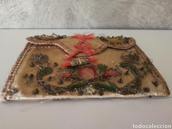 Antigüedades: CARTERA DE SEDA ORO PLATA BORDADO SIGLO XVIII - Foto 5 - 223100298