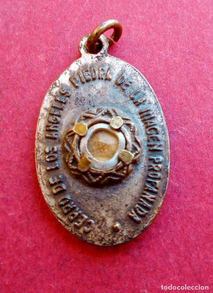 MEDALLA RELICARIO ANTIGUO CARLISTA CERRO DE LOS ANGELES. PIEDRA IMAGEN PROFANADA. GETAFE. MADRID (Antigüedades - Religiosas - Medallas Antiguas)
