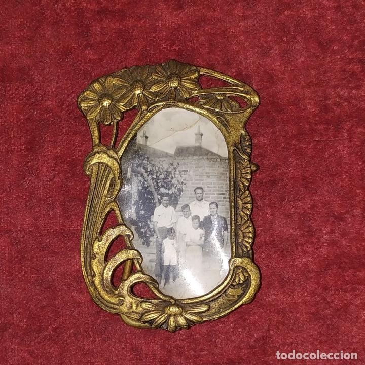 Antigüedades: PEQUEÑO PORTARETRATOS ART NOUVEAU. BRONCE. ESPAÑA. CIRCA 1900 - Foto 7 - 223241720