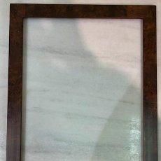 Antigüedades: MARCO CHAPADO DE RAIZ.. Lote 236607935