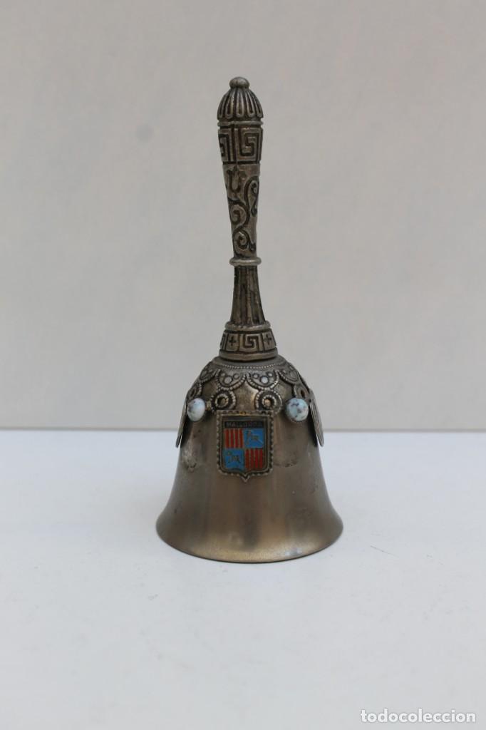CAMPANA LLAMADOR RECUERDO DE MALLORCA. (Antigüedades - Hogar y Decoración - Campanas Antiguas)