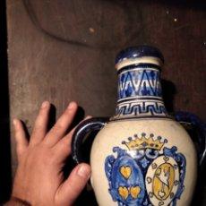 Antigüedades: ANTIGUO JARRÓN CON ESCUDO. Lote 223343517