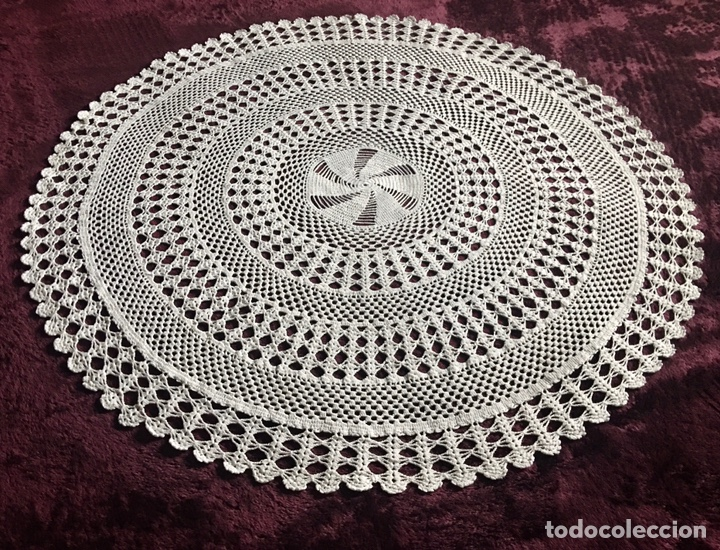 Antigüedades: Precioso tapete mantel redondo -hecho a mano -85 cm de diametro-(19699) - Foto 5 - 223377863