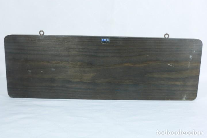 Antigüedades: Precioso llavero con espejo artesanal de origen finlandés - Foto 4 - 223388425