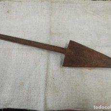 Antigüedades: REJA DE ARADO CON INICIALES GRABADAS. CG2. Lote 223460491