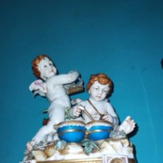 Oggetti Antichi: EXCEPCIONAL FIGURA DE ALGORA, PAREJA DE ÁNGELES MUSICALES, TOCANDO EL ARPA CON TAMBORES. Lote 223543121
