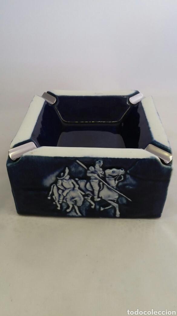 CENICERO DE PORCELANA MIRETE CON ESCENA DE QUIJOTE Y SANCHO (Antigüedades - Porcelanas y Cerámicas - Otras)