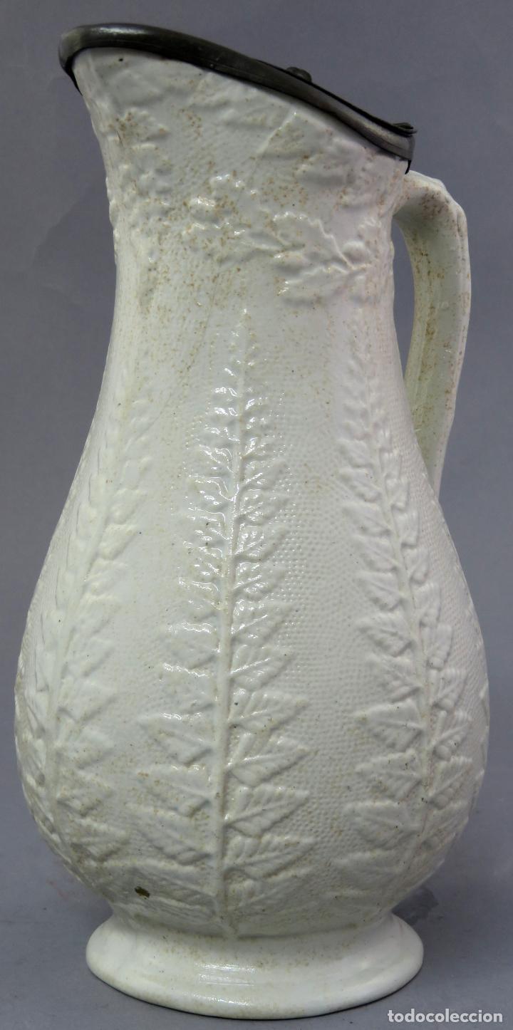 Antigüedades: Jarra victoriana en porcelana esmaltada de relieves con tapa de estaño Inglaterra finales siglo XIX - Foto 7 - 223552255