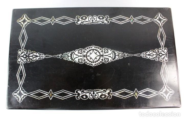 Antigüedades: Escribanía. Madera lacada y taraceado de nácar. UK ca 1880. Lacquered & mother of pearl writing desk - Foto 4 - 223587467