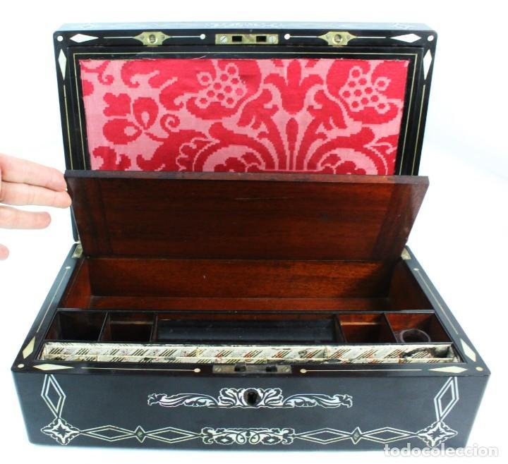 Antigüedades: Escribanía. Madera lacada y taraceado de nácar. UK ca 1880. Lacquered & mother of pearl writing desk - Foto 14 - 223587467
