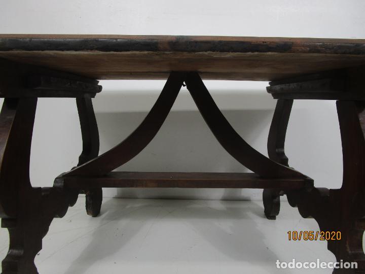 Antigüedades: Antigua mesa de centro Pata de lira - Foto 13 - 223678728
