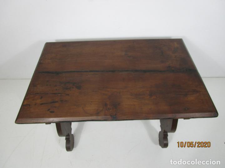Antigüedades: Antigua mesa de centro Pata de lira - Foto 17 - 223678728