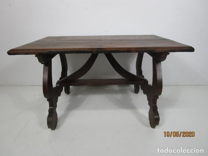 Antigüedades: Antigua mesa de centro Pata de lira - Foto 23 - 223678728
