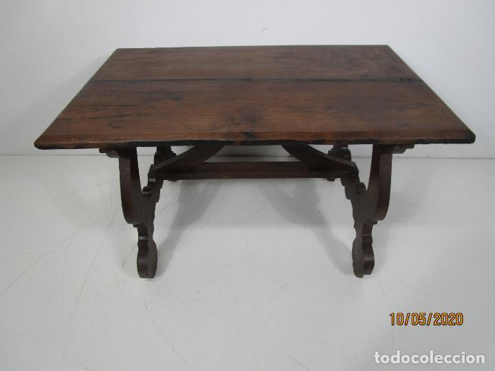 Antigüedades: Antigua mesa de centro Pata de lira - Foto 25 - 223678728