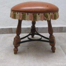 Antigüedades: TABURETE O BANQUETA ANTIGUO. Lote 223739857