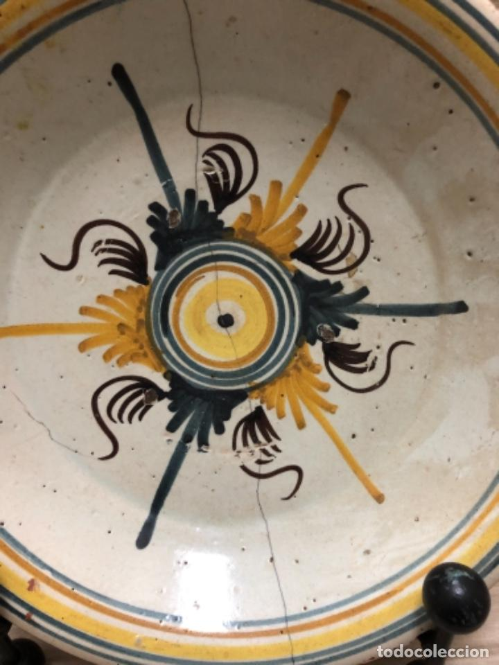 Antigüedades: ANTIGUO PLATO EN CERÁMICA DE TRIANA (SEVILLA) - Foto 4 - 223869620