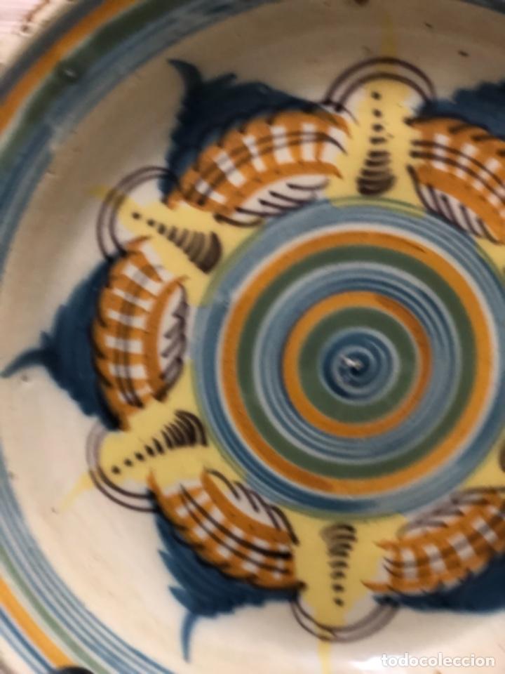 Antigüedades: INUSUAL PLATO EN CERÁMICA DE TRIANA ( SEVILLA) - Foto 2 - 223870315