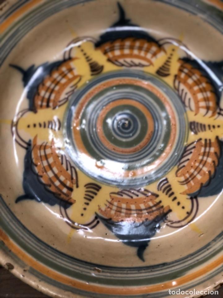 Antigüedades: INUSUAL PLATO EN CERÁMICA DE TRIANA ( SEVILLA) - Foto 6 - 223870315