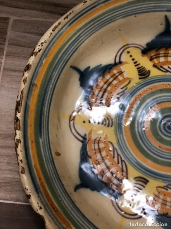 Antigüedades: INUSUAL PLATO EN CERÁMICA DE TRIANA ( SEVILLA) - Foto 7 - 223870315