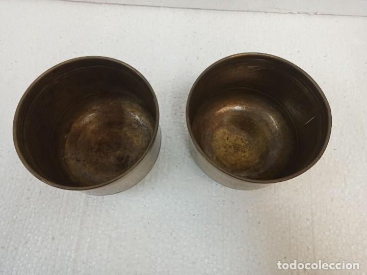 Antigüedades: Pareja de maceteros de latón. CG1 - Foto 3 - 223886181
