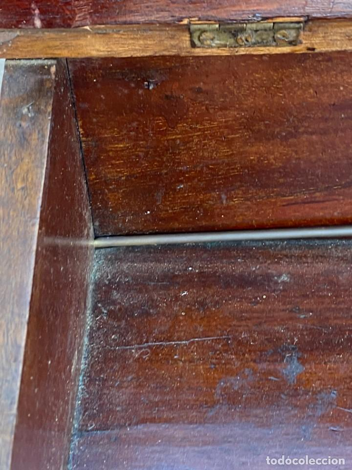 Antigüedades: MUEBLE AUXILIAR ESCRITORIO DAVENPORT INGLES TAPA ABATIBLE 82X52X46CMS - Foto 40 - 223897722