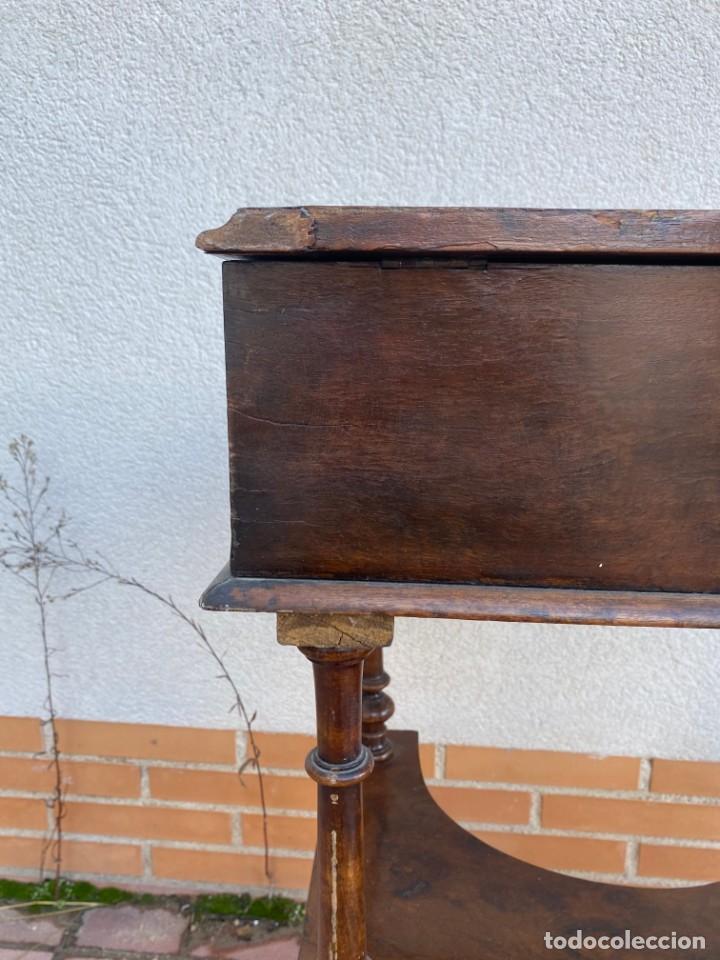 Antigüedades: MUEBLE AUXILIAR ESCRITORIO DAVENPORT INGLES TAPA ABATIBLE 82X52X46CMS - Foto 48 - 223897722