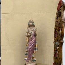 Antiquités: FIGURA MUJER HAWAIANA COGIENDO FLORES DE PORCELANA.46 CM _ ALTA COLECCION. Lote 223898931