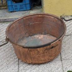Antigüedades: PRECIOSA CALDERA ANTIGUA REMACHADA. Lote 223909065