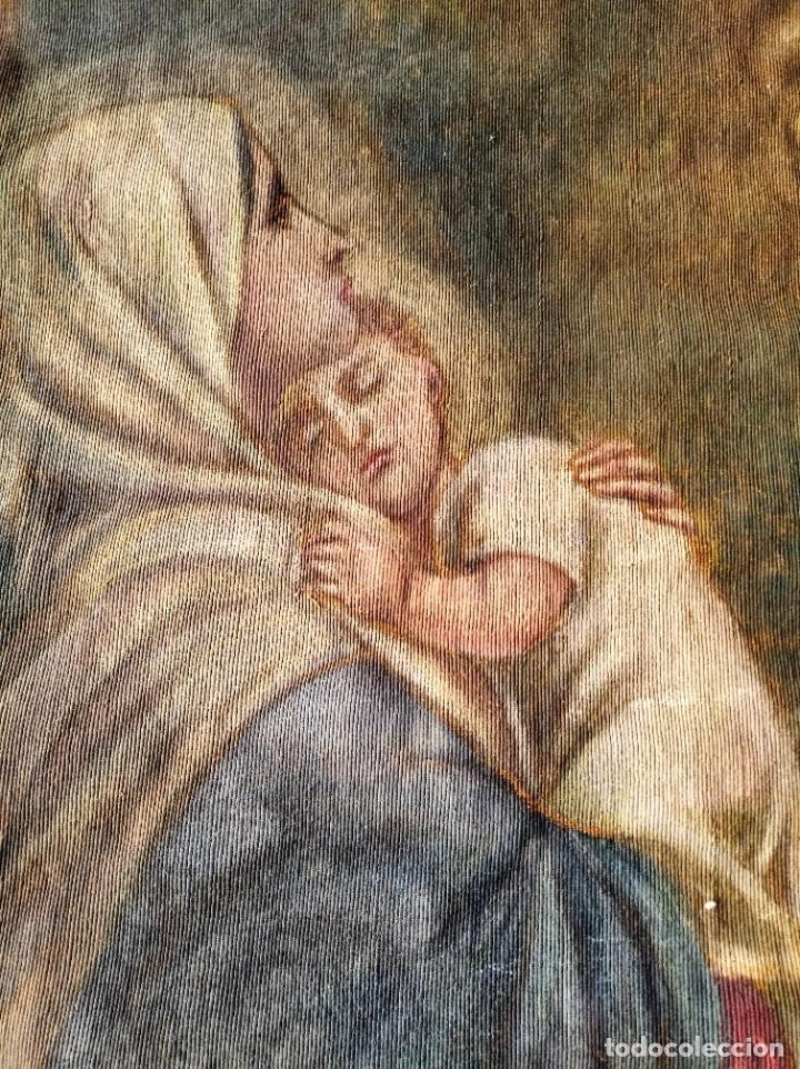 Antigüedades: bonito antiguo tapiz tintado pintado en tela gruesa tipo alfombra . virgen 95 / 115 cm - Foto 3 - 223928633