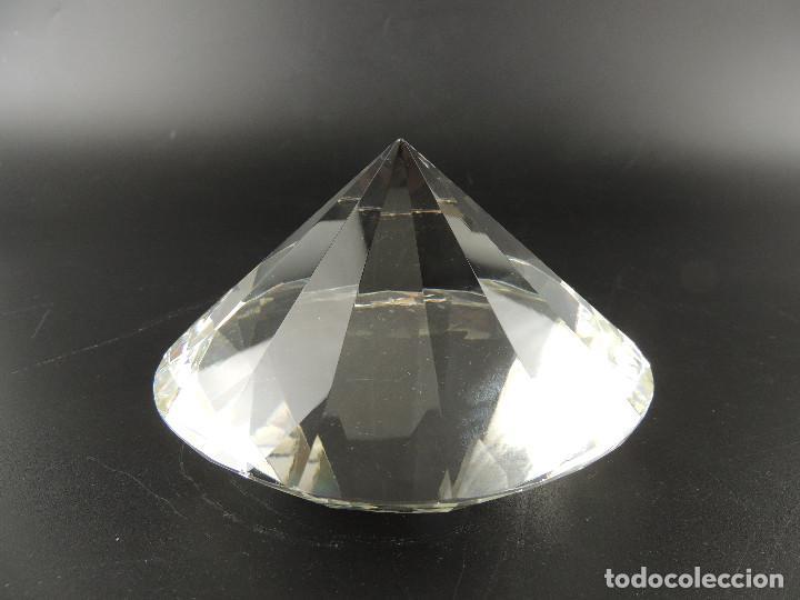 PISAPAPELES DE CRISTAL FORMA DE DIAMANTE (Antigüedades - Cristal y Vidrio - Otros)