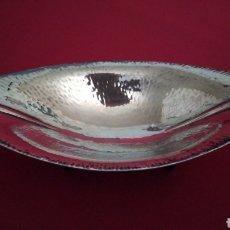 Antigüedades: DESCARGA BOLSILLOS ARTE DECÓ EN METAL PLATEADO.. Lote 224017461