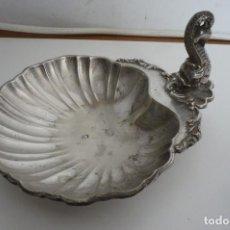 Antigüedades: ANTIGUA CONCHA DE BAUTIZO DE ALPACA. Lote 224043708