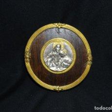 Antigüedades: APLIQUE RELIGIOSO.JESUCRISTO Y SAN JUAN.FIRMADO.MEDALLA. Lote 224048095