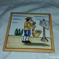 Antigüedades: BELLO AZULEJO OFICIOS MUSICO. Lote 224133548