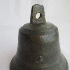 Antigüedades: CAMPANA DE BRONCE Nº 4 CON BADAJO ORIGINAL - BUEN SONIDO. Lote 224168067