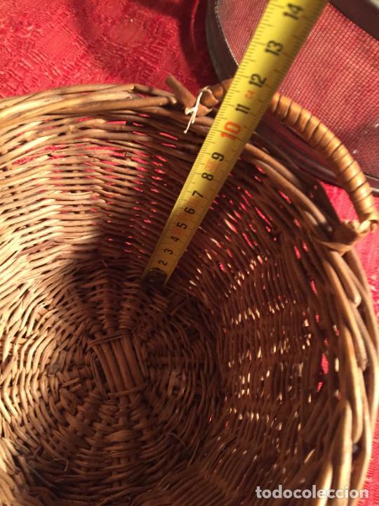 Antigüedades: Antiguo pequeño canasto / cesta de mimbre de los años 20-30 - Foto 10 - 224235982
