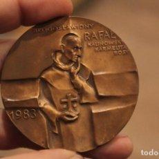 Antigüedades: MEDALLA RAFAŁ KALINOWSKI 1983 WILNO WADOWICE 1983,. Lote 224236127