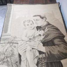 Antigüedades: ANTIGUO TAPIZ MOTIVO RELIGIOSO. Lote 224257523