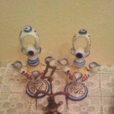 Antigüedades: LOTE DE 3 CANDILES ;1 DE BRONCE Y 2 DE PORCELANA DE TALAVERA ,MIDE 15 CENT DE ALTO.. Lote 224263201