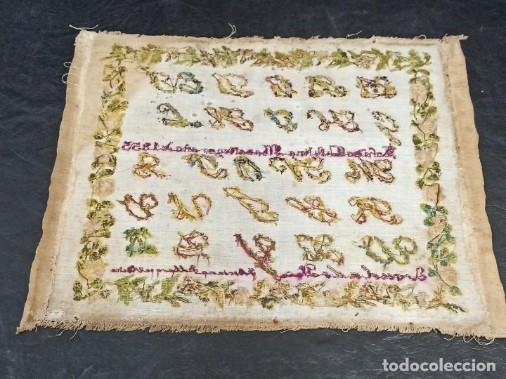 Antigüedades: Antiguo dechado o abecedario bordado. 1855. - Foto 7 - 224274458