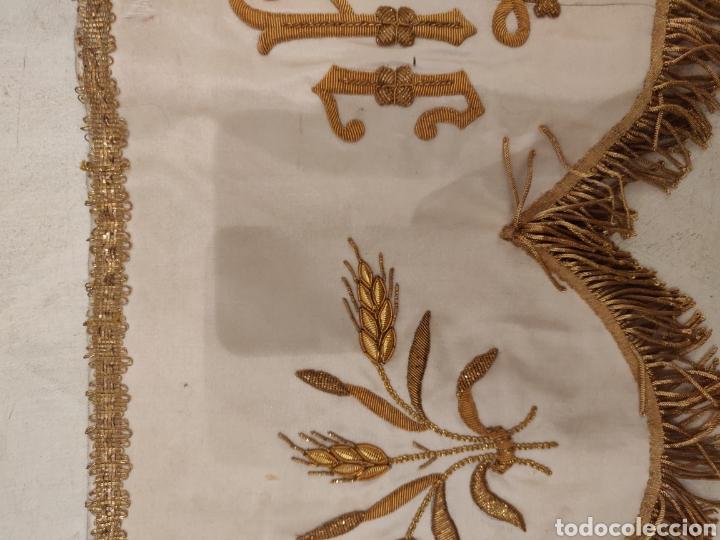 FRENTE DE ALTAR BORDADO EN ORO (Antigüedades - Religiosas - Ornamentos Antiguos)