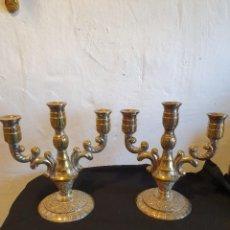 Antigüedades: PAREJA DE CANDELABROS DE ALPACAR. Lote 224287356