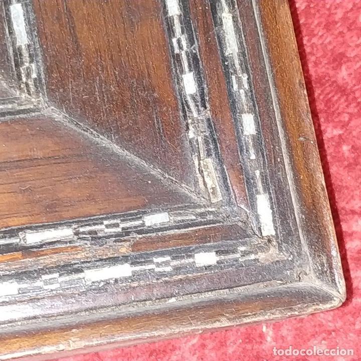 Antigüedades: 2 MARCOS ISABELINOS. MADERA CON INCRUSTACIONES EN METAL Y MADERA. ESPAÑA. SIGLO XIX - Foto 10 - 224319253