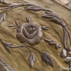 Antigüedades: PAREJA VISTAS CAPA PLUVIAL CON BORDADOS EN ORO. Lote 224322986