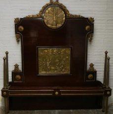 Antigüedades: ESPECTACULAR CAMA CARLOS IV DE CAOBA CON TALLA Y DORADOS. CIRCA 1800.. Lote 224323443