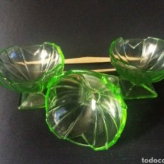 Antigüedades: 3 COPAS POSTRE CUENCOS FRUTEROS CRISTAL URALINO OURALINE GLASS URANIO ART DECO 30S VERDE 11CM. Lote 224332465