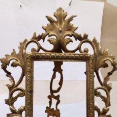 Antigüedades: MARCO DE BRONCE ANTIGUO. Lote 224367118